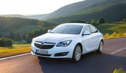 In Topform: Opel Insignia ab sofort mit neuen Spardieseln, IntelliLink mit Apple CarPlay-Integration