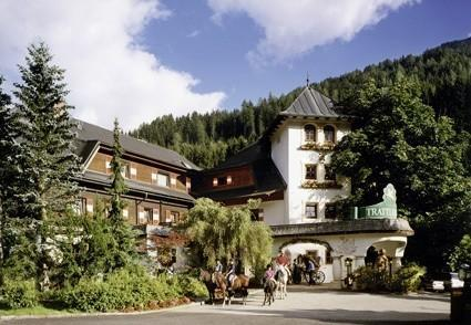 Charity, Fashion, Wein & Golf im Hotel Trattlerhof